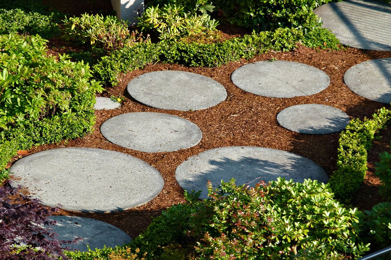 Using rounded slate to create a stepping stone path