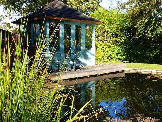 Make a garden pond for the summer house