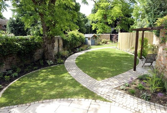 Long narrow garden design with lawn and paths