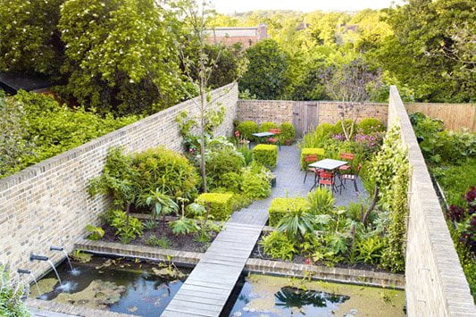 Long narrow water garden design