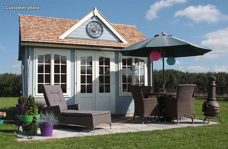 Paint a summer house