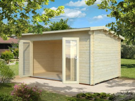 Ines (13.7 sqm) large timber sunroom with bi-fold doors
